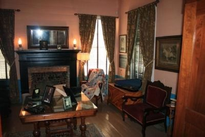 The Men's Parlor. Jonathan Bass House image. Click for full size.