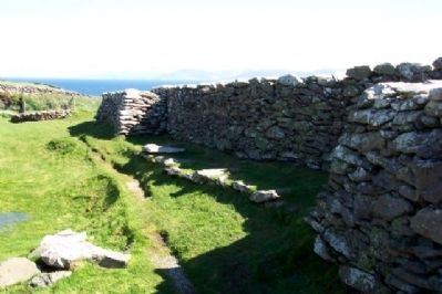 Dunbeg Promontory Fort North Wall image. Click for full size.
