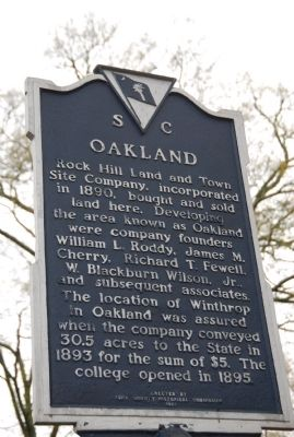 McCorkle-Fewell-Long House / Oakland Marker image. Click for full size.