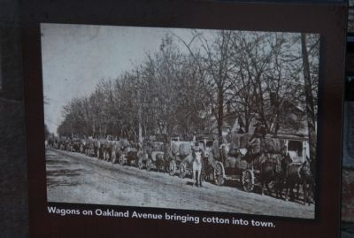 Wagons on Oakland Avenue image. Click for full size.