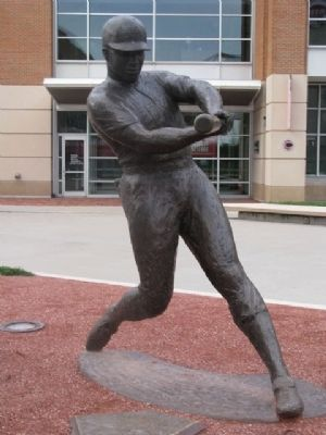 Frank Robinson Statue image. Click for full size.