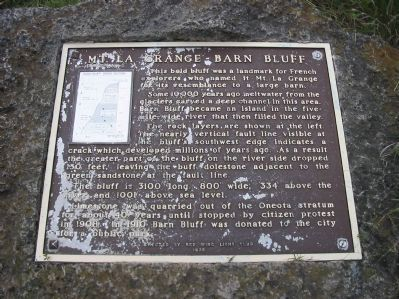 Mt. La Grange – Barn Bluff Marker image. Click for full size.