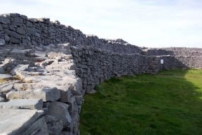 Dún Aonghus Inner Enclosure Wall image. Click for full size.