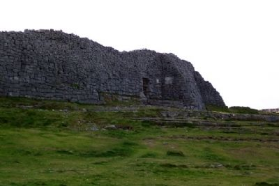 Dún Aonghus Outer Wall image. Click for full size.