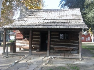 Barnes Log Cabin image. Click for full size.