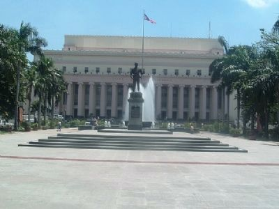 Liwasang Bonifacio, with the Manila Post Office in the Background image. Click for full size.