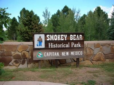 Historical Park Sign image. Click for full size.