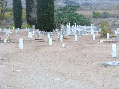 Old Kernville Cemetery image. Click for full size.