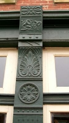 Cast Iron Design on the Emmitt House image. Click for full size.