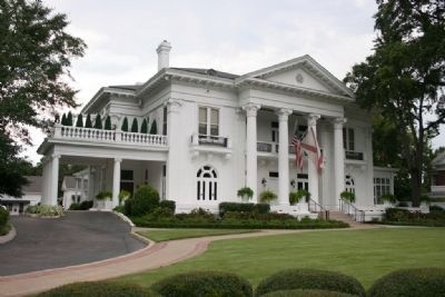 Alabama Governor's Mansion image. Click for full size.