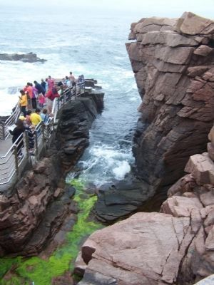 Thunder Hole viewing area. image. Click for full size.