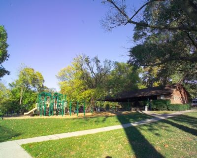 Recreation Center and Playground image. Click for full size.