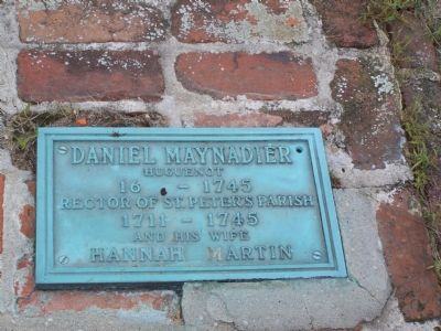 Grave of Rev. Daniel Maynadier and his wife. image. Click for full size.