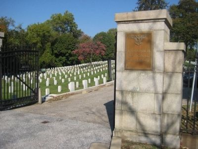 Annapolis National Cemetery image. Click for full size.