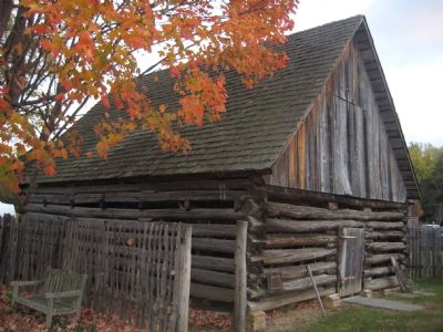 Tobacco Barn image. Click for full size.