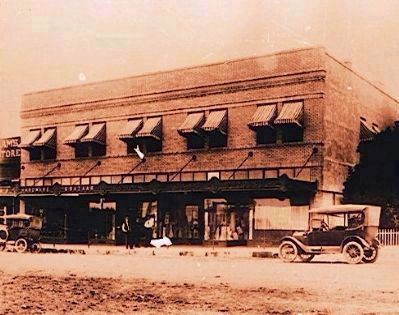 Emmada Building (early 1920's?) image. Click for full size.