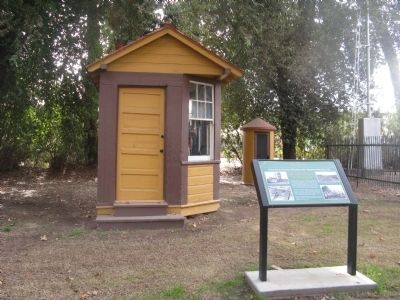 Railroad Scale House and Telephone Booth image. Click for full size.