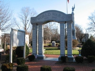 Stratford World War II Memorial image. Click for full size.