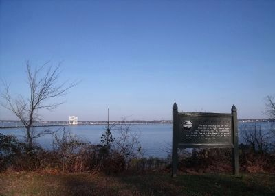 York River view (facing upriver) image. Click for full size.