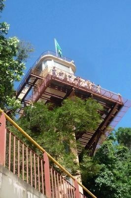 Observation tower near Santos-Dumont Memorial image. Click for full size.