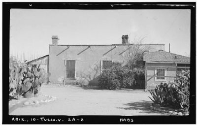 Fort Lowell Officers Quarters image. Click for more information.