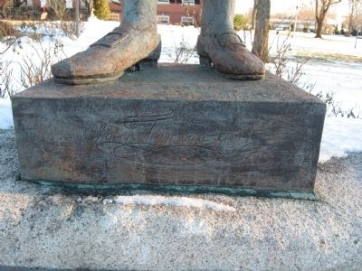 Signature on the base of the statue: Joni Trumbull Gov image. Click for full size.