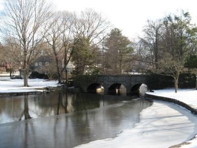 King's Bridge spanning the Wepewaug River image. Click for full size.