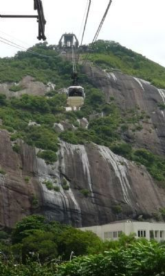 Cable car returning to Praia Vermelha station (Rio) from Urca Mountain image. Click for full size.