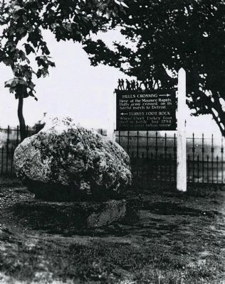 Hull's Crossing/Turkey Foot Rock Marker image. Click for full size.