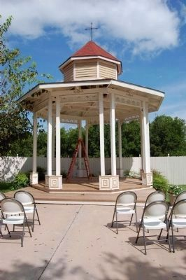 Gazebo on the Page-Decrow-Weir House grounds image. Click for full size.