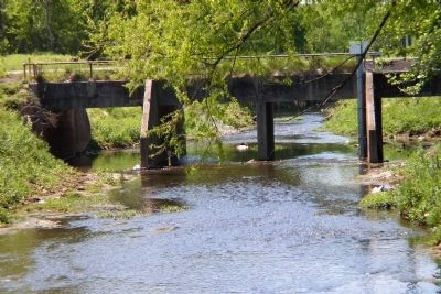Coosa Street bridge over Village Creek image. Click for full size.