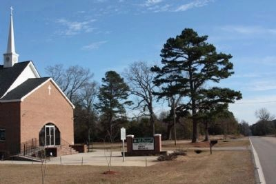Mount Pleasant Baptist Church as seen along Fort Motte Rd. (State Road 419) image. Click for full size.
