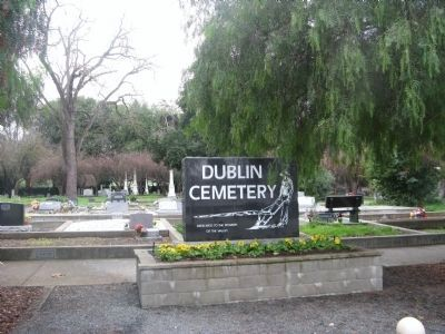 Dublin Cemetery image. Click for full size.