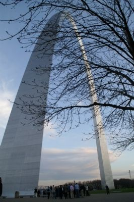 The Gateway Arch image. Click for full size.