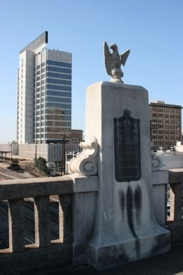 The Rainbow Viaduct Marker (West Side of Bridge) image. Click for full size.