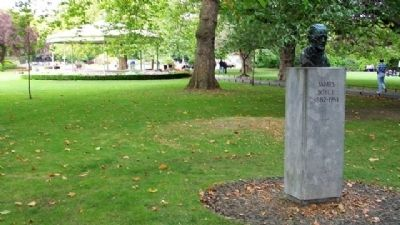 James Joyce Monument image. Click for full size.