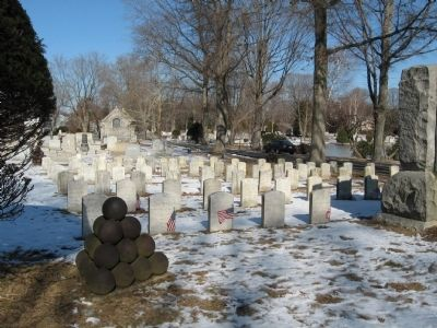 Soldiers' Graves Behind Pro Patria Memorial image. Click for full size.