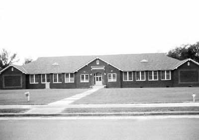 Willow Consolidated High School image. Click for full size.