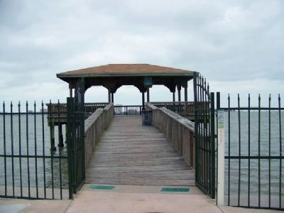 Magnolia Drive Dock and Marker image. Click for full size.