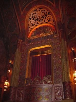 Stenciling and gilded decor of the Alabama Theatre image. Click for full size.
