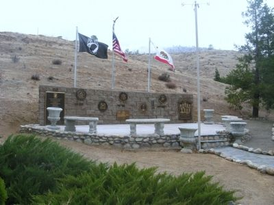Kernville Veterans Memorial image. Click for full size.