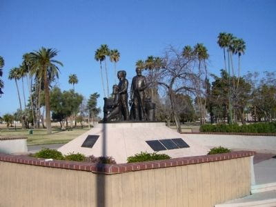 Mesa Pioneer Monument image. Click for full size.
