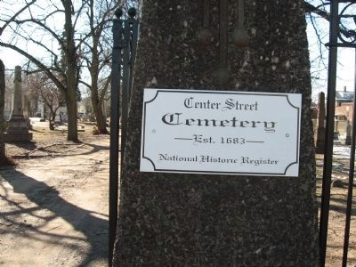 Center Street Cemetery est. 1683 image. Click for full size.