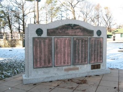Seymour World War I – World War II Memorial image. Click for full size.