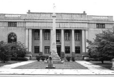 Lee County Courthouse image. Click for full size.