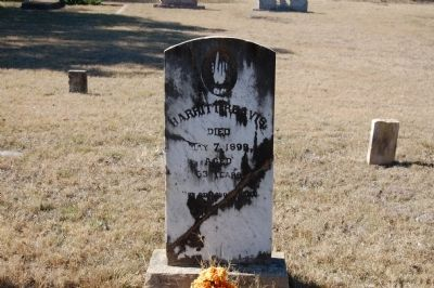 Harritt Reavis Headstone image. Click for full size.