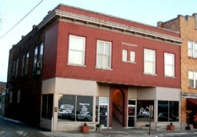Shirts Building and Marker image. Click for full size.