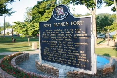 Fort Payne's Fort Marker by fountain image. Click for full size.