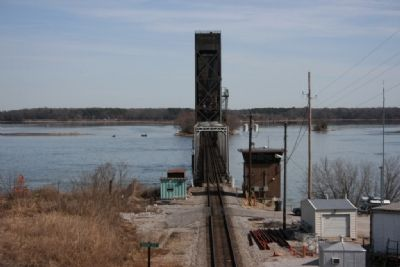 The current railroad bridge over the Tennessee River. image. Click for full size.