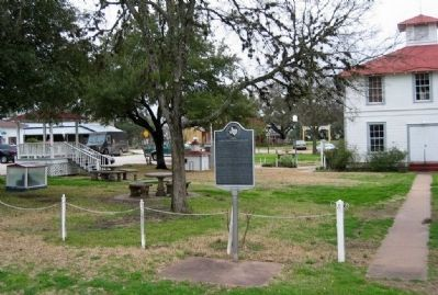Early Texas Hotels and Inns Marker at Round Top town square. image. Click for full size.